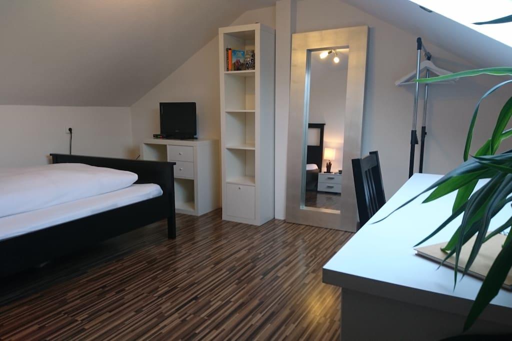sch ne dachwohnung im herzen von neu isenburg wohnungen zur miete in neu isenburg hessen. Black Bedroom Furniture Sets. Home Design Ideas