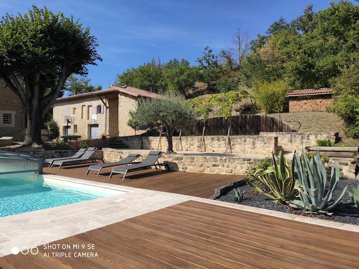 Gite indépendant avec piscine , vue sur le vercors