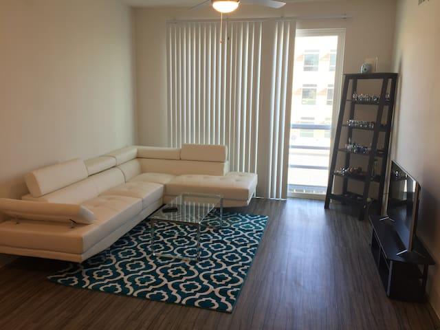 Bright, Lofty Apartment At The Domain! - Austin - Wohnung