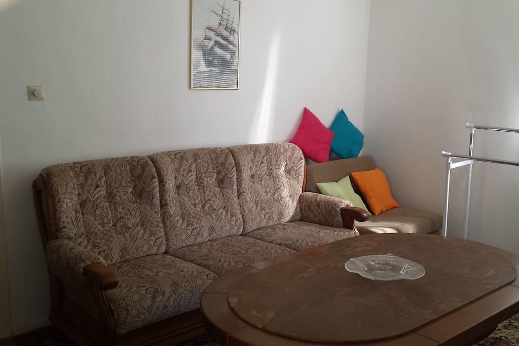 Gemütliche Couchecke 2Raum-Apartment