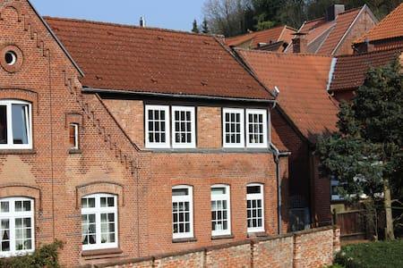 Ruhiges Altstadthaus mit Innenhof - Lauenburg Elbe
