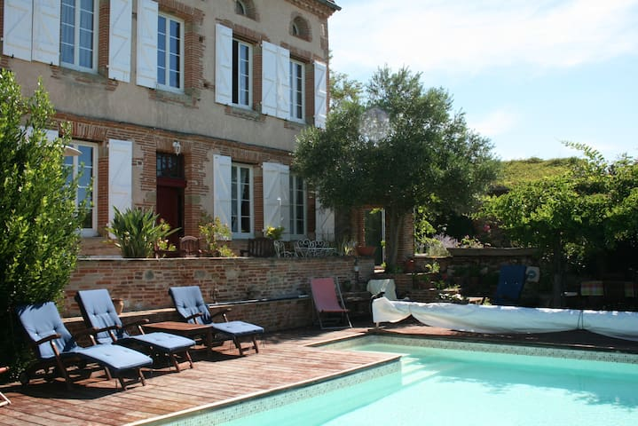 Ancient Presbytery 30 mins from Toulouse airport
