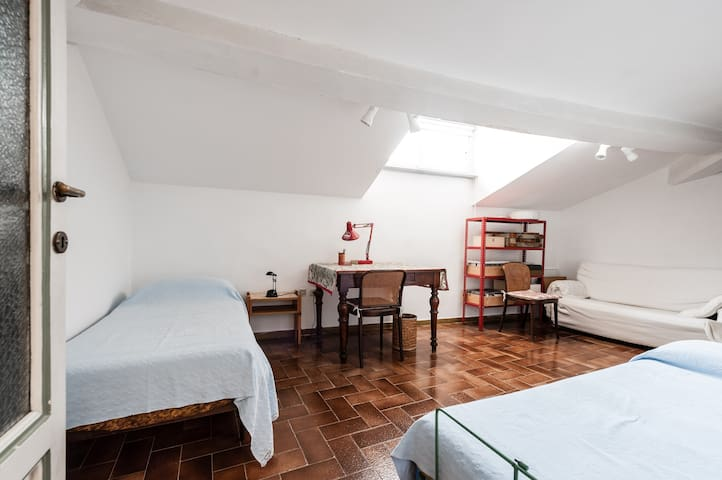 Nice apartment in Ancient Hotel des Anglais - Pisa - House