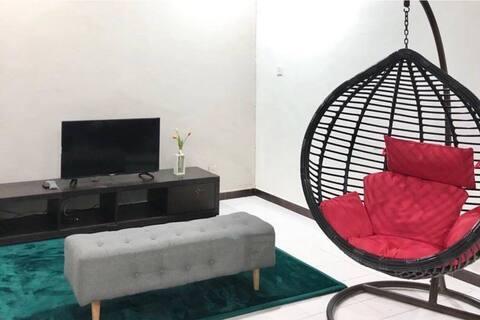 Bungalow Pekan Selesa Homestay with Astro