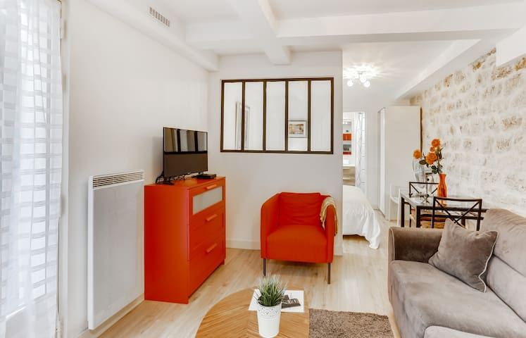 Pleasant living room