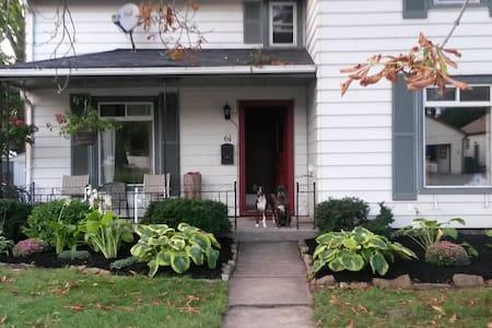 Chic Modern Farm House - Huis