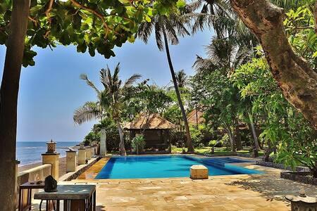 The Ning Beachfront Villa Buleleng Bali - Singaraja