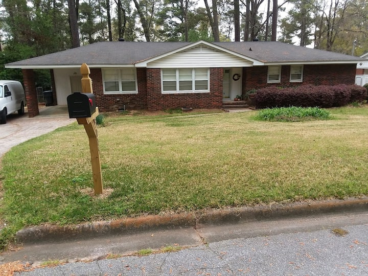 Newly updated 3BDR/2BA home ready for The Masters!