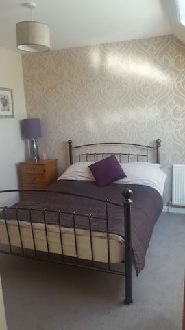 1 private bedroom with ensuite on NC500 route