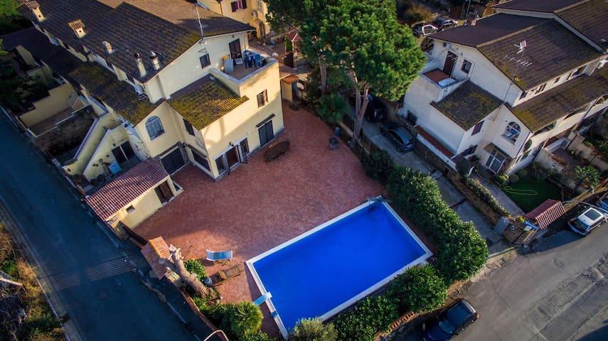 Villa with Swimming Pool, 3BD, 3BT - Cerveteri