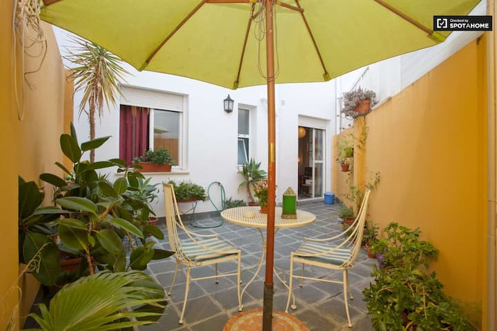 IDEAL CENTRAL LOCATION  AT ALAMEDA, PRIVATE PATIO