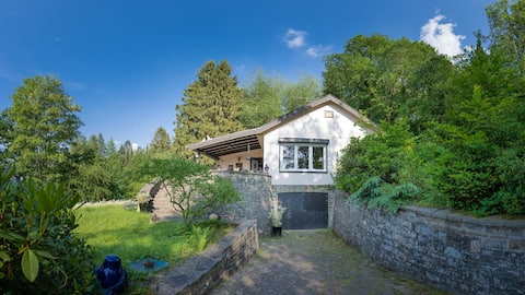 Landhaus im Wald, eigener Garten, Kamin u. Sauna
