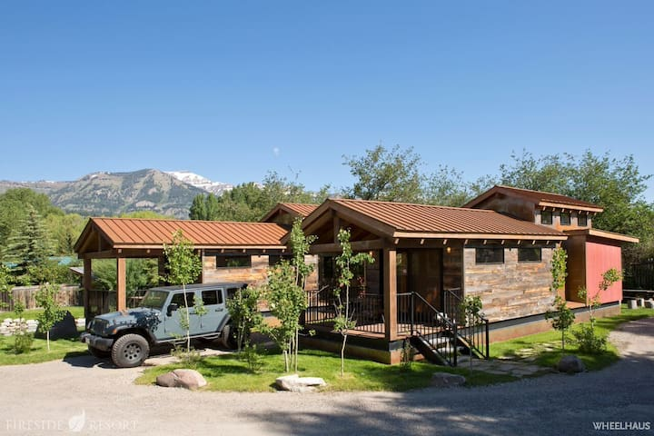 Ski summer jackson hole cabin up to 6 guests for Stazione di jackson hole cabin