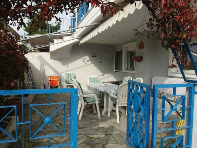 Beautiful cottage for families in Siviri