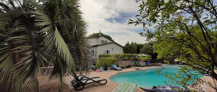 Villa Alessia, chambres d'Hôtes à Antibes
