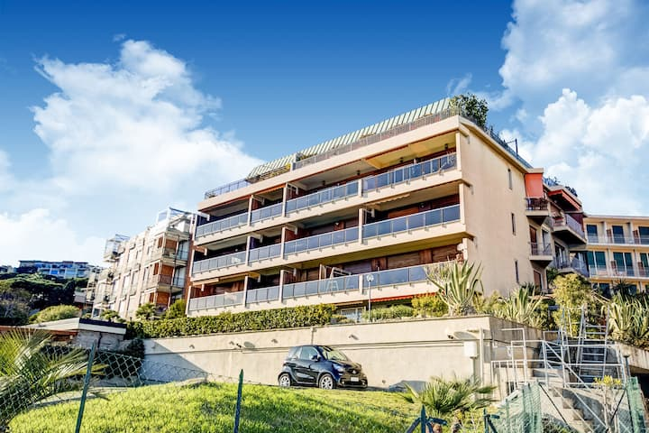 Encantador apartamento en Sanremo con jardín