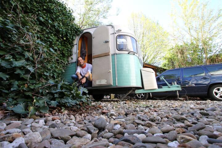 vintage caravan Schiedam centre - Schiedam - Autocaravana