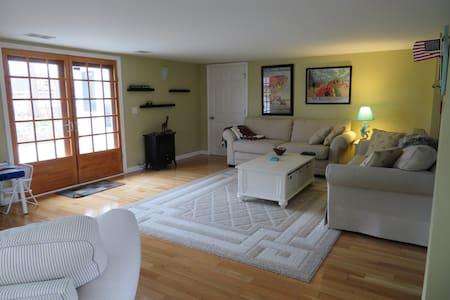 Private Coloma Lake House - Coloma - Haus
