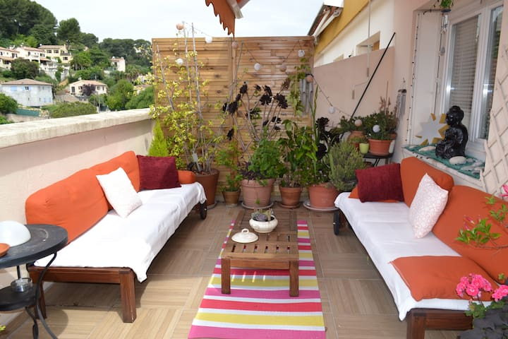 One bedroom apartment with large terrase