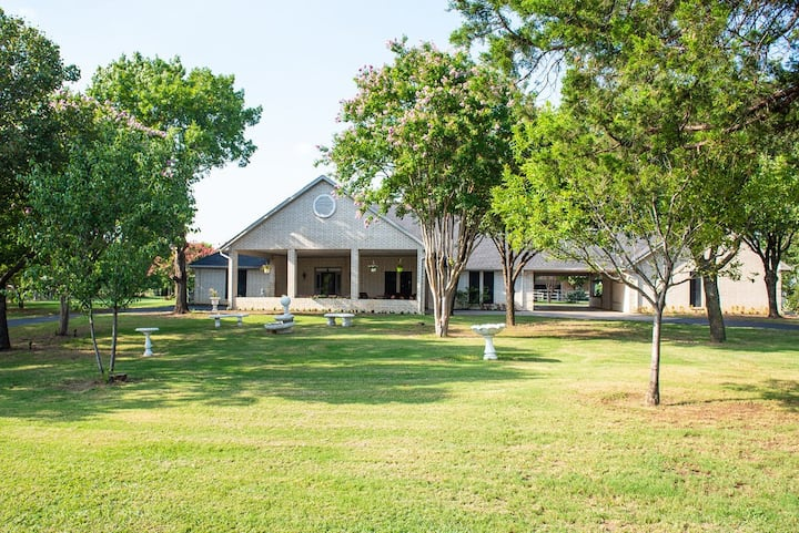 Bella Vista Ranch on 22 acres