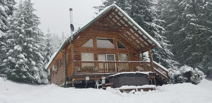 Mt View Cabin, Hot Tub, Real fp, Ski White Pass