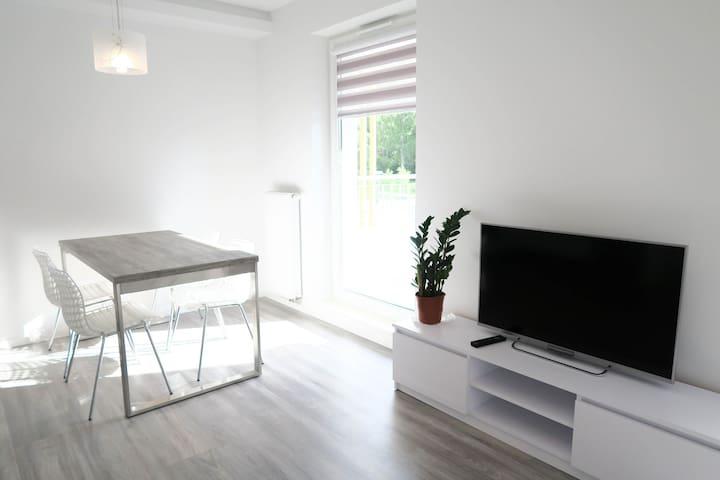 Apartament 2-pok, basen, kort tenis, 700m do plaży - Ustronie Morskie - Appartement