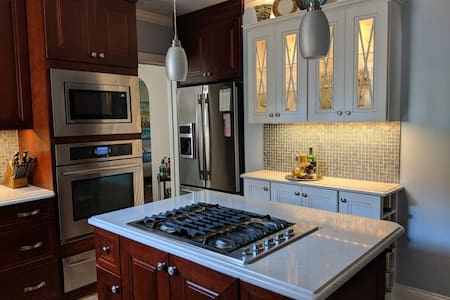 Affton Home with charm and convenience