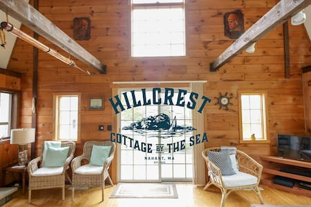 HILLCREST COTTAGE BY THE SEA