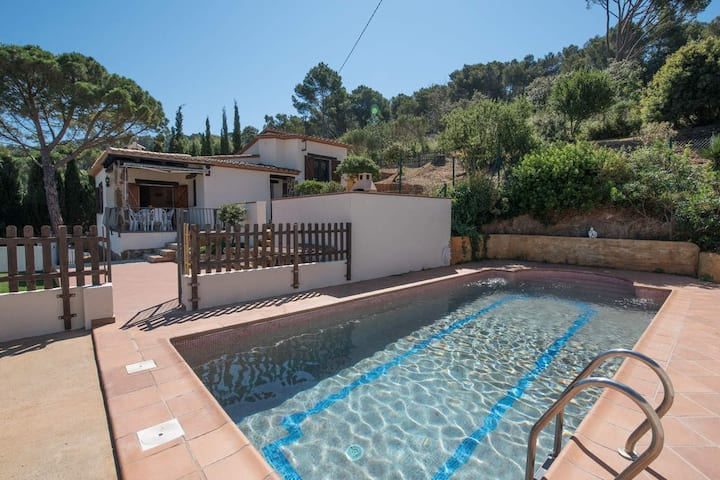 Rental with private pool and wifi in Begur