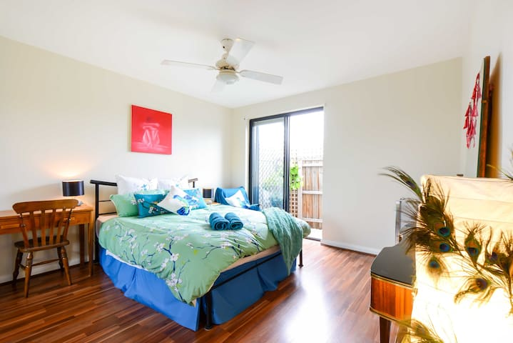 Spacious Coburg Apartment (Sleeps6) - Coburg