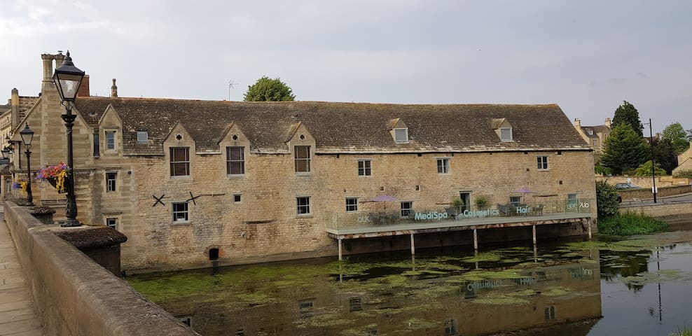 The Toll House at Riverside Apartments Stamford