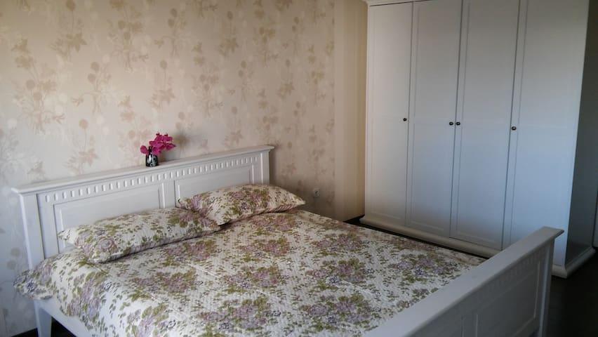 сдаю новую 1-комнатную квартиру - Mińsk - Apartament