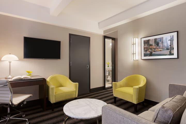 Hotel Edison, Signature Suite