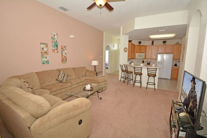 190CHW. Lovely 4 Bedroom 3 Bath Disney Area Pool Home