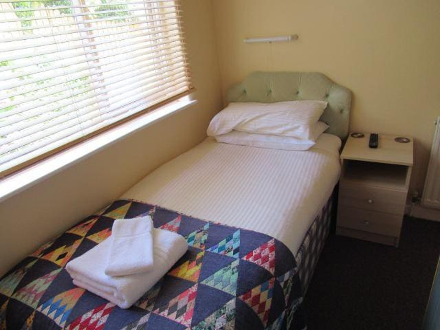 Single Room at Avoncourt Lodge