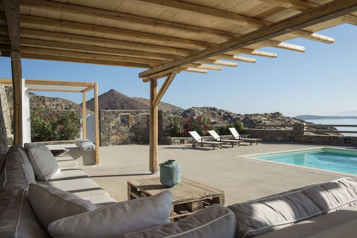 Villa Elxi, 6 bedroom luxury beach villa with pool - GR - Villa
