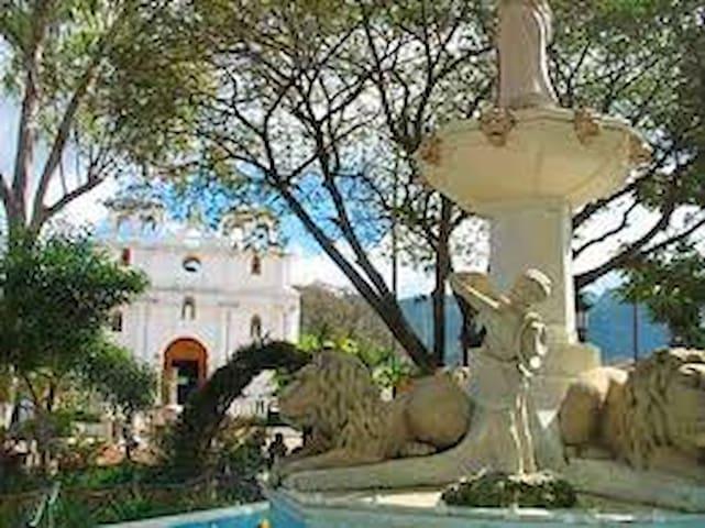 Casa De Invitados En Santo Domingo Xenacoj