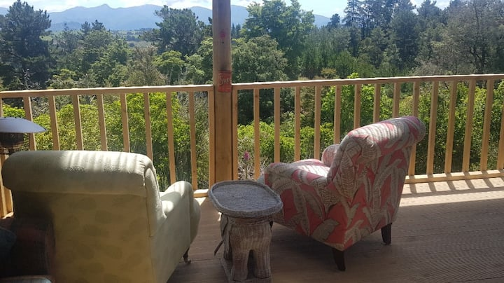 Tui Heights-stunning views and fantastic location
