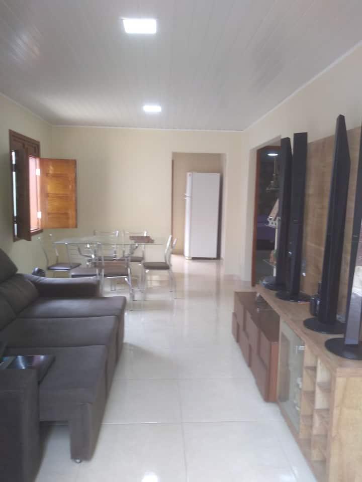 Casa confortável, segura e ótima em  localização