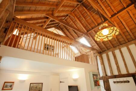 Three Bed Luxury Converted Barn with Gym & Spa(SB)