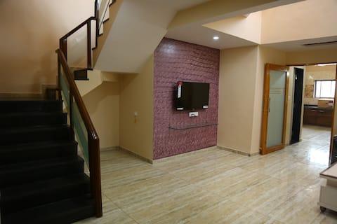 Sai Villa Apartment,Lavish Luxury stay with 4 M B