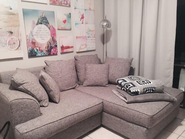 Trendy City Slicker Garden Unit - Sandton - Apartament