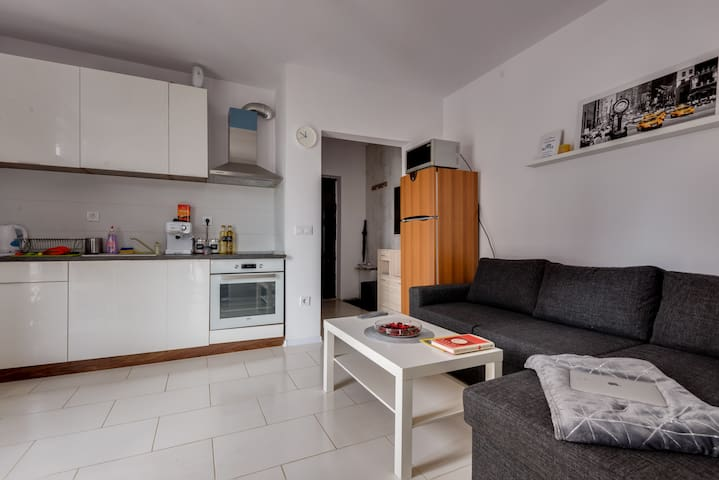 Phi apart in Poligona near The Mall, STP, Airport