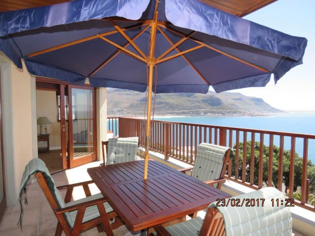 Seaview Apartment close to the beach and mountain - Cape Town - Apartment