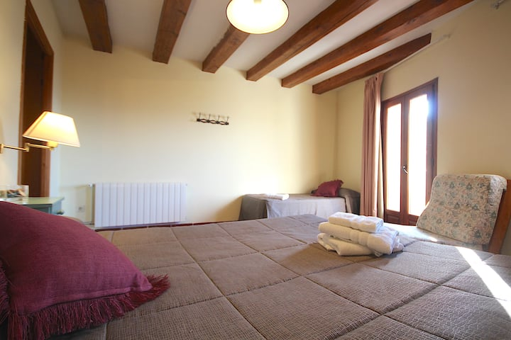 Centre del Montsec - 201 - Triple Room