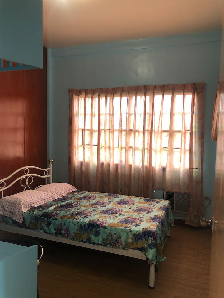 Private Room 10 Beds GL Town House Batangas City