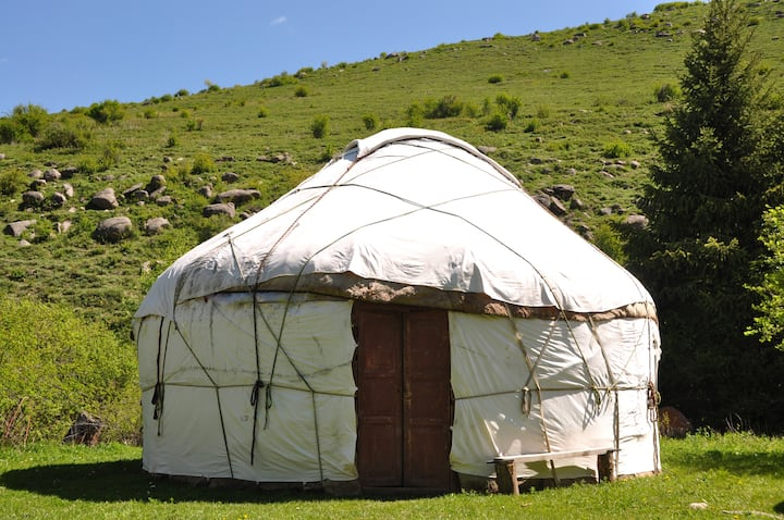 Deluxe Yurt (3 people)