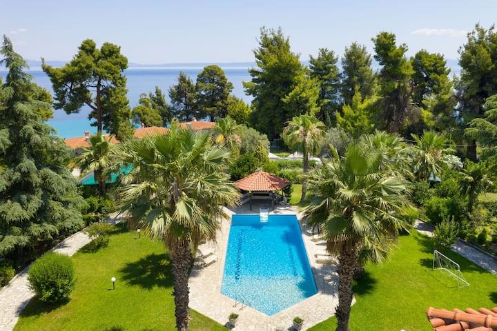 #FLH - Coconut Pool Apartment I