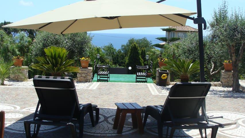 Gizia, elegant villa sea view  on Gaeta Gulf - Gaeta - House