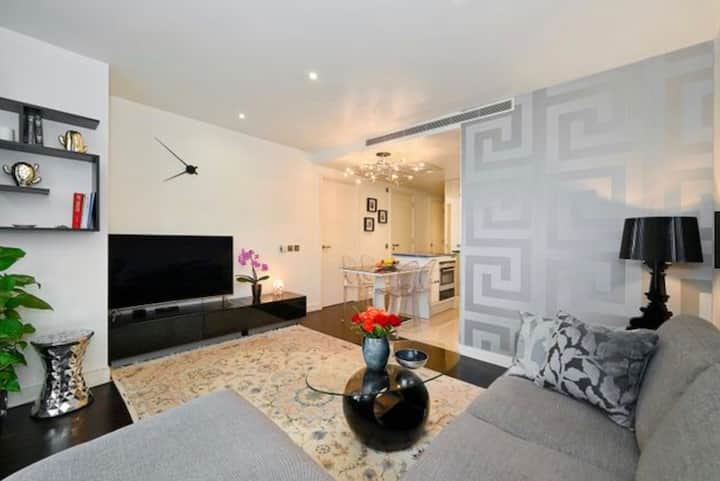 An extremely high-specification  Flat